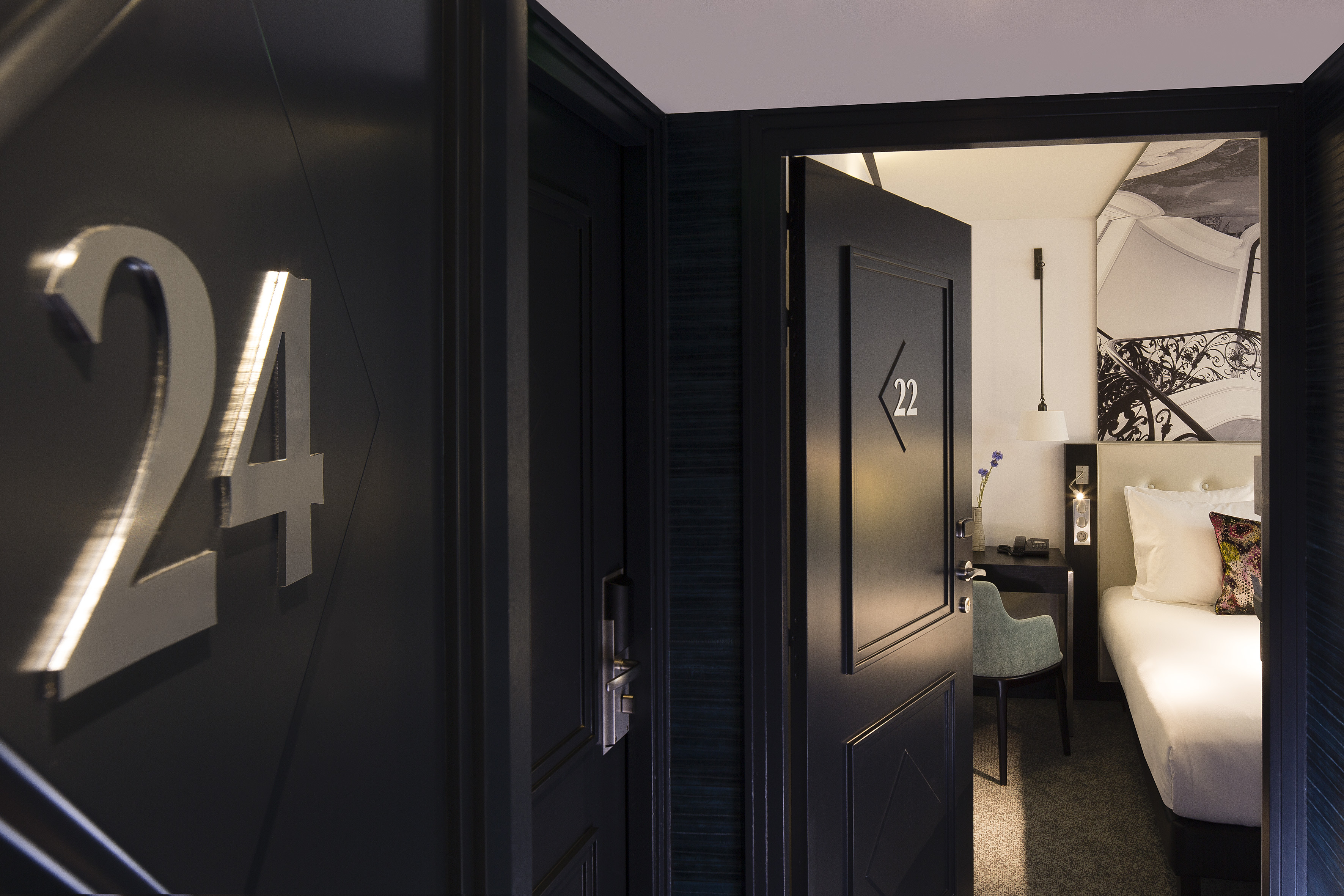723/Gustave/chambre_/Comm/HOTEL_GUSTAVE_-_Communicantes_-_2.jpg