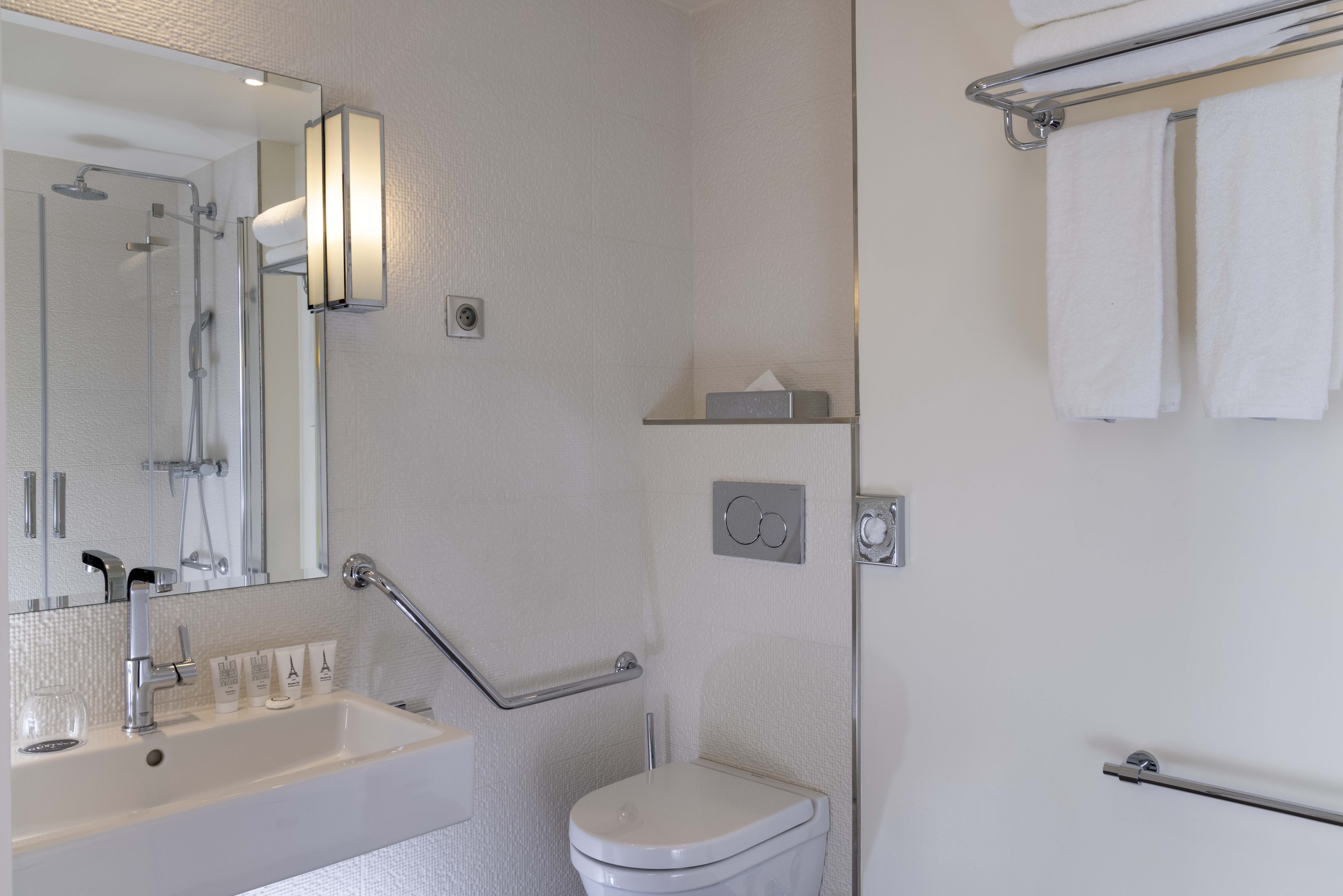 723/Gustave/chambre_/PMR/_16A5980_hotel_gustave_bd.jpg